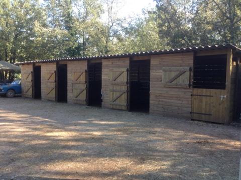 Boxes et porte var et bois - Porte de box pour chevaux a vendre ...