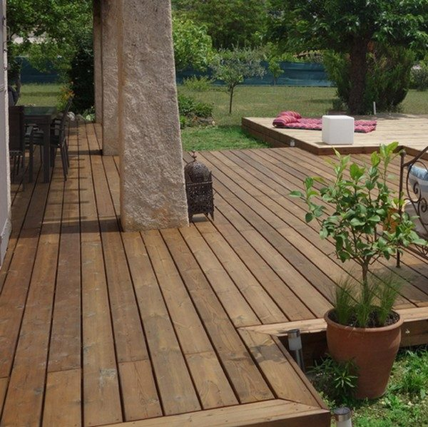 terrasse pin marron