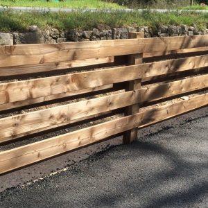 barrière en pin traité marron